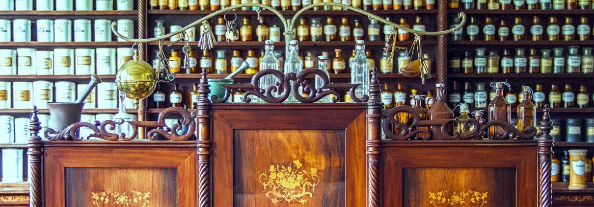Antiker Apotheken Tresen